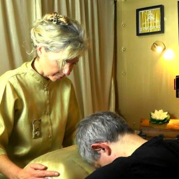 Head and Shoulders above other Indian Head treatments